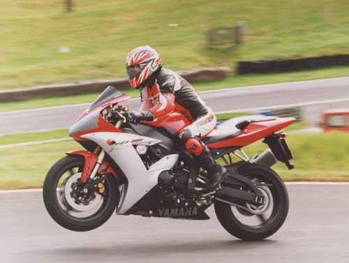 Sarah on her R1 at Cadwell racing circuit