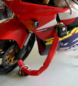 Anti-Pinch Pin through the body of a Honda RVF